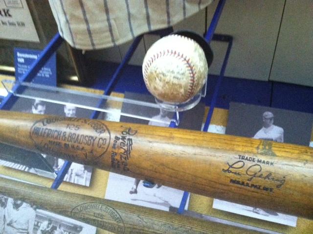 Yanks Gehrig Bat