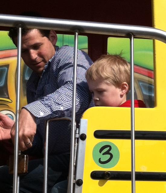 Dan Ethan Bus