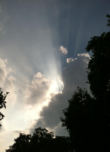 England - Sun Cloud Rays