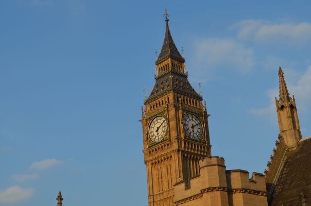 London Big Ben in Sun