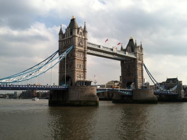 London Bridge Far