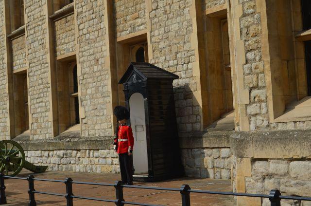 London - Guard