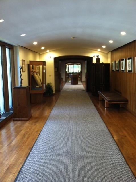 jewish-chapel-hallway3